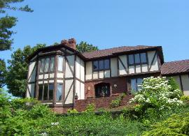 Charmant Exterior Painting Of This Tudor House In Akron Ohio (Summit County)